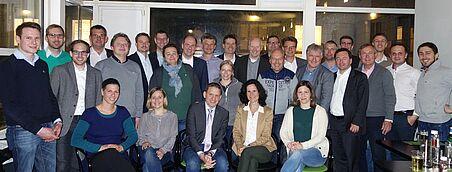 Die 29 Teilnehmerinnen und Teilnehmer des Alt-AssitentInnen-Treffens.